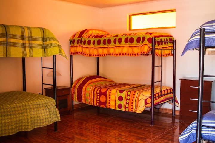 Lodge Las Rocas servicio compartido baño privado