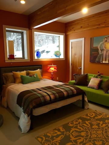 Suite with a Sweet view, The Kiva at Meadow & Fern - Shelburne Falls - Lain-lain