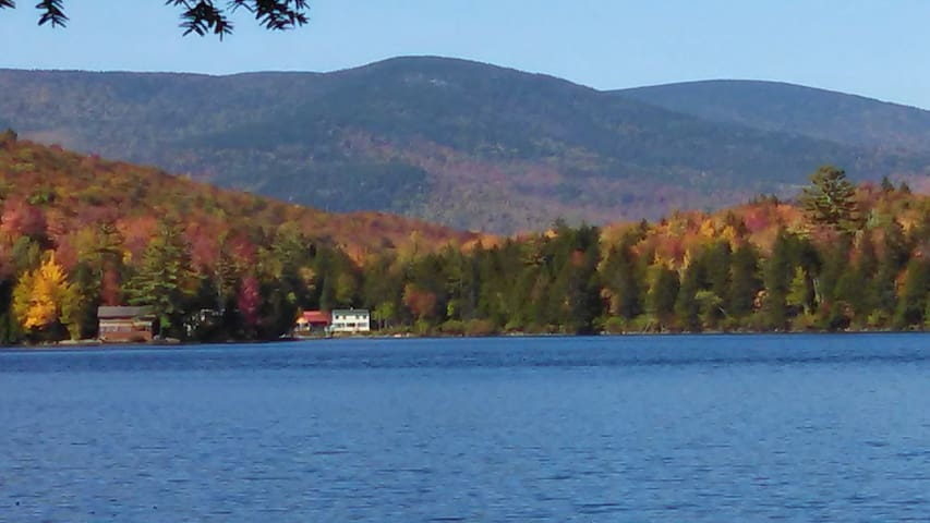 Loon Point Cottage on South Pond - Stark - Huis