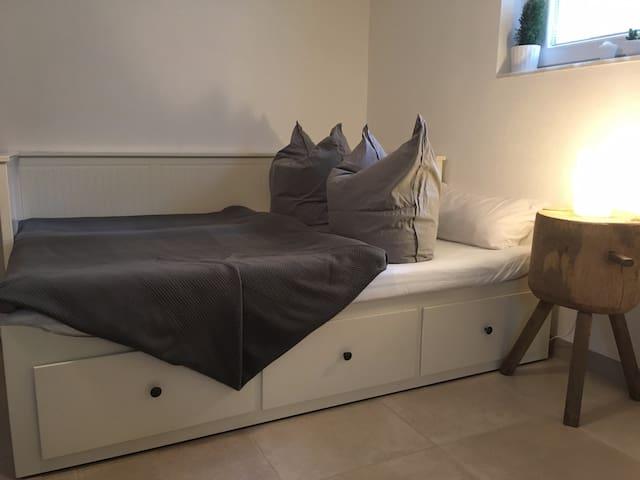 Doppelbett für 2 Personen