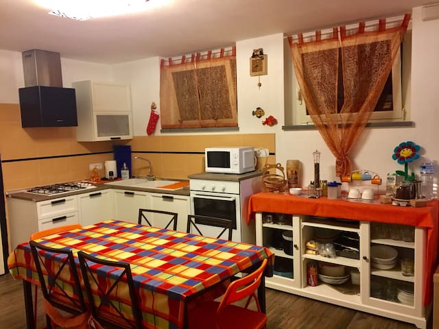 Private room with kitchen  300mt from the sea