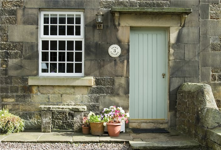 Jack's Cottage, Longnor, Peak District