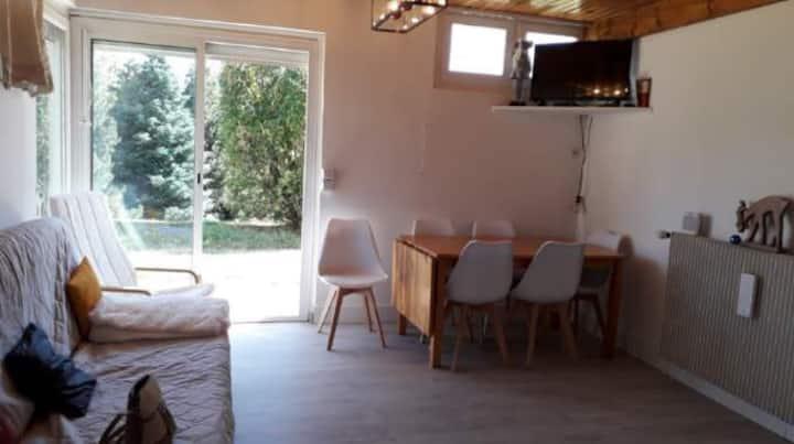 Maisonnette 50 m2,vue sur la vallée