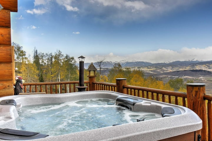 Secluded Granby Home w/Mtn Views & Private Hot Tub