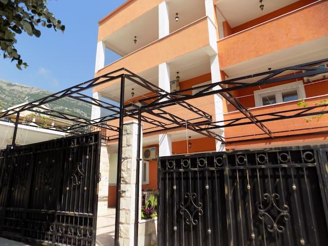 Apartments in Sutomore, Montenegro