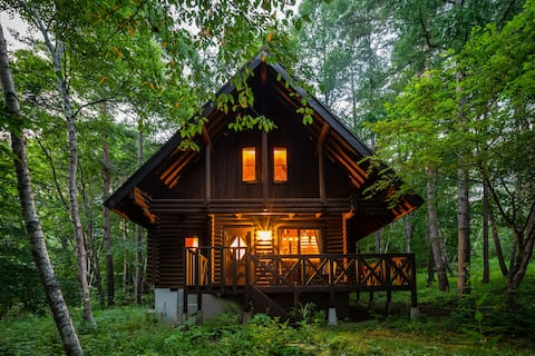 Elegant, secluded cabin for couples & families