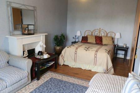 B&B Double room or 2 room suite. - Étables-sur-Mer