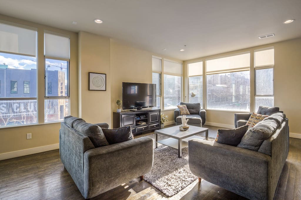 Enjoy amazing views of downtown from the spacious living room!