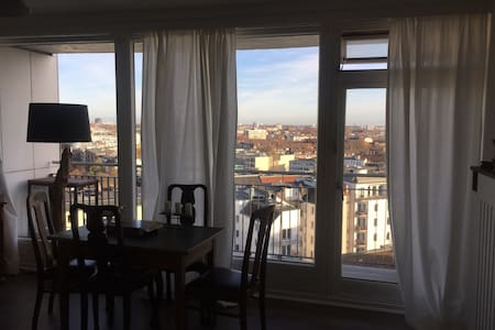 Storchennest mit Blick auf die City - Hamburg