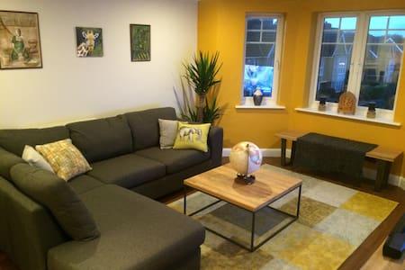 Room/Whole Flat- North West London - Apartemen