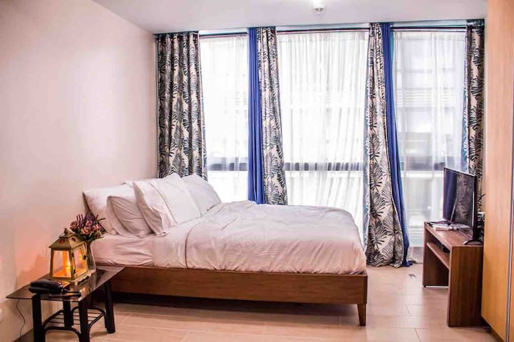 One Bedroom Suite in Uptown Residence, BGC