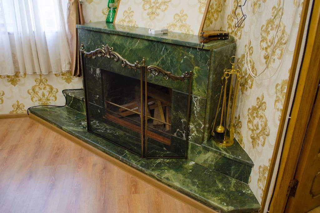 Fireplace in the Living room / Камин в гостиной