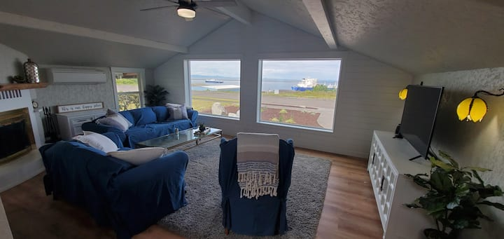 Incredible views in remodeled Harbor Bluff House