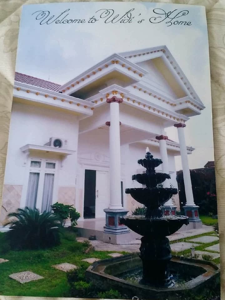 WIDI   HOLIDAY   HOME