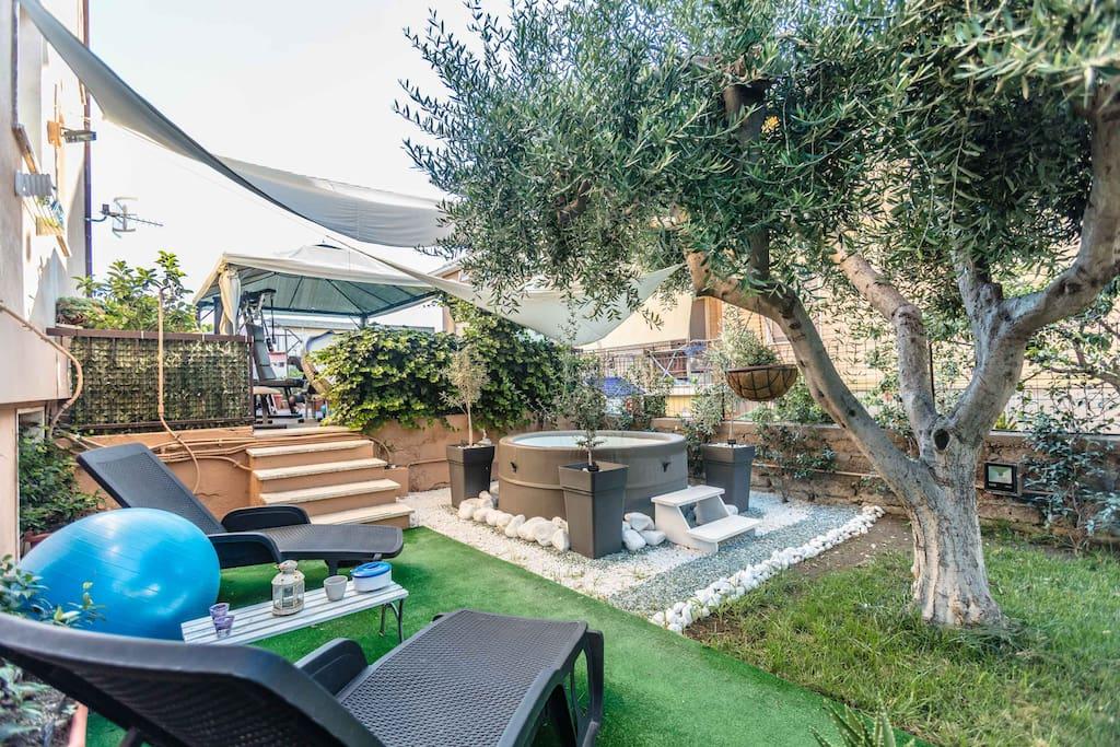 Spa benessere di lusso in giardino