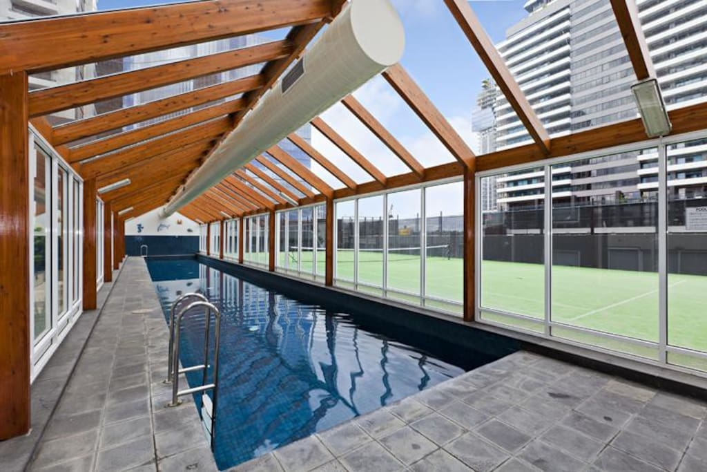 Indoor heated 25m 2-lane pool