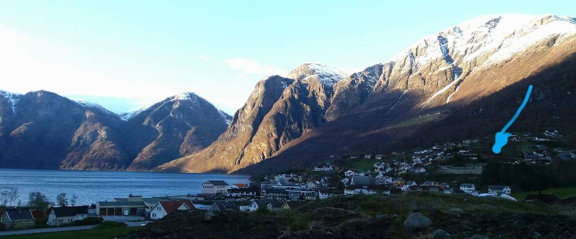 Entire apartment Aurland, near the fjords (300m)