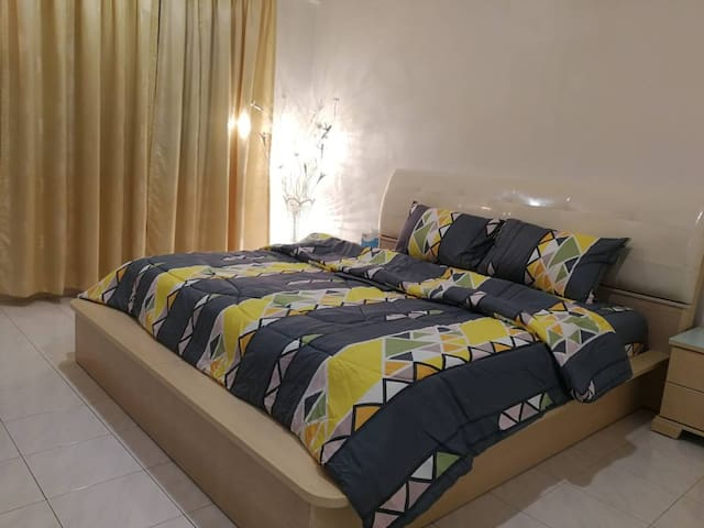 New-M2H Residence 12pax - 4BR+3BD (Upstairs Only)