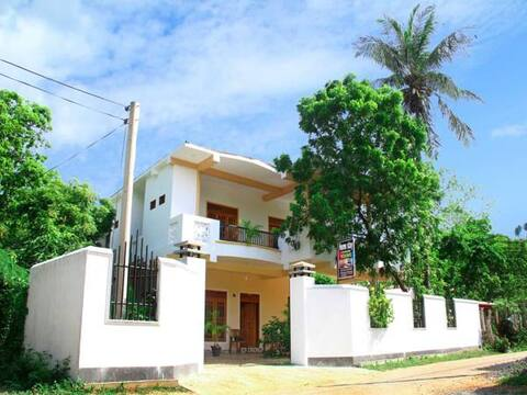 Sarath Home stay Tissamaharama Double Room with AC