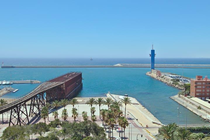 Atico de 120 m2 con las mejores vistas de Almería