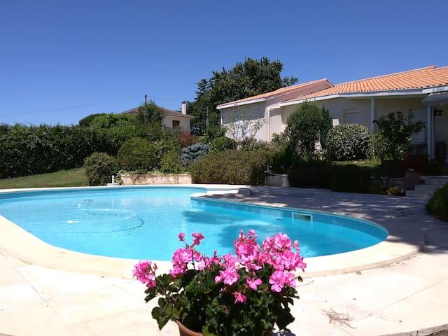Maison très calme avec piscine - Marmande - Casa