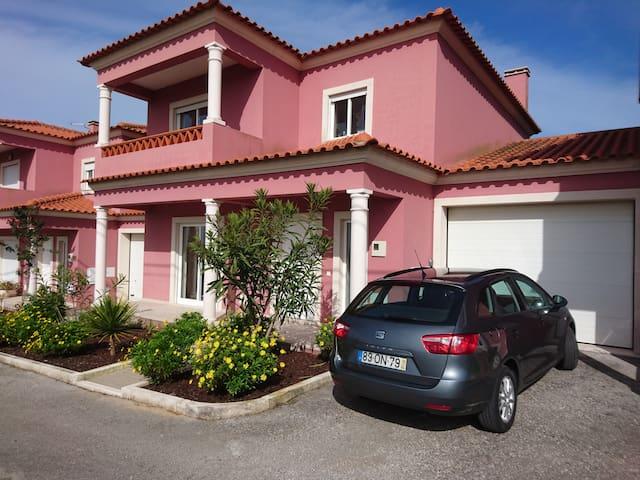Villa Pardo. 5minutes to Sao Martinho do Porto Bay - Alfeizerão - Casa de camp