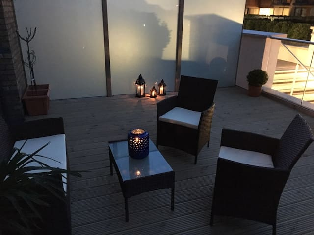 Bright DBL room with bathroom & gorgeous terrace - London - Apartemen