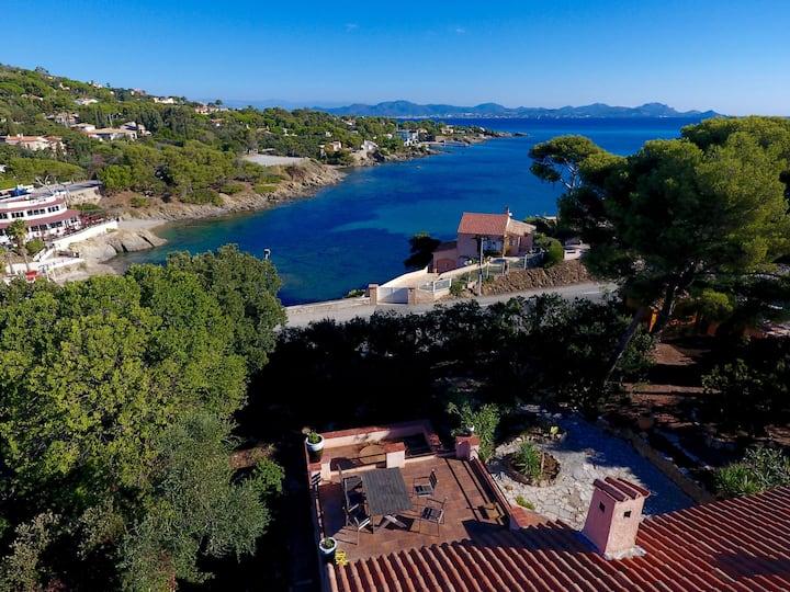 Villa Ottaviani super sea views, steps to beach