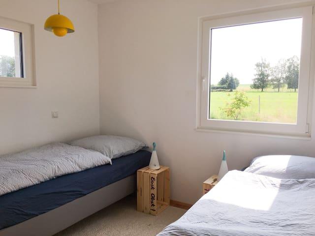 Schönes Zimmer bei Ravensburg, Nähe Bodensee.