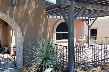 Luxury Hacienda Hideaway - Ház