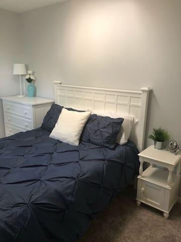 Bedroom 3 with a queen.