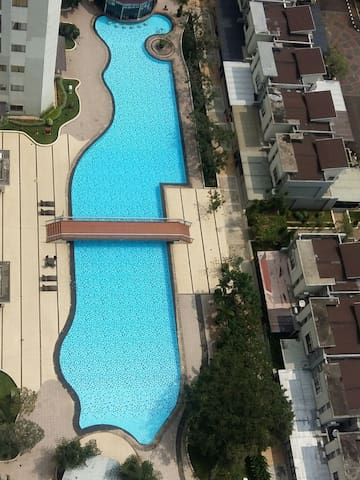 Apartment 3 BR Thamrin City mall,Car Rent. Jakarta