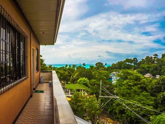 Angol Ocean View spacious house - 1 Room - Western Visayas - House
