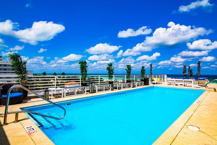 Ocean Dr Beachfront Condo -Balcony & Rooftop Pool - Miami Beach - Pis