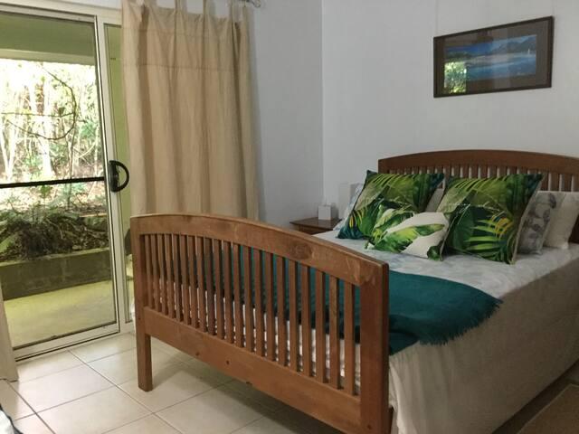 Bedroom one - Queen