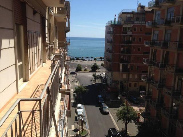 Salerno in Holiday Centro - Piazza della Concordia - Salerno - Lägenhet