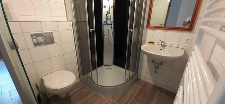 Z08 Apartment mit Bad und Küche