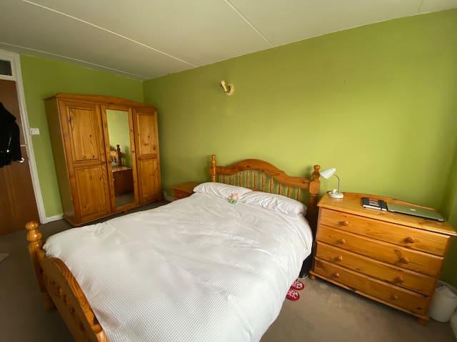Luminous, quite and clean room in zone 2