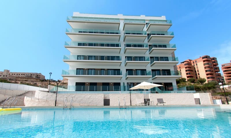 Los Arenales New apartment - Los Arenales del Sol - Hotellipalvelut tarjoava huoneisto