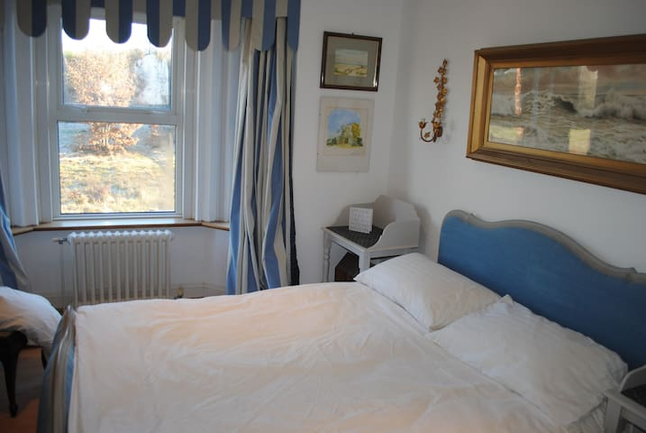 Charming double room in Victorian-semi - Royal Tunbridge Wells - Ház