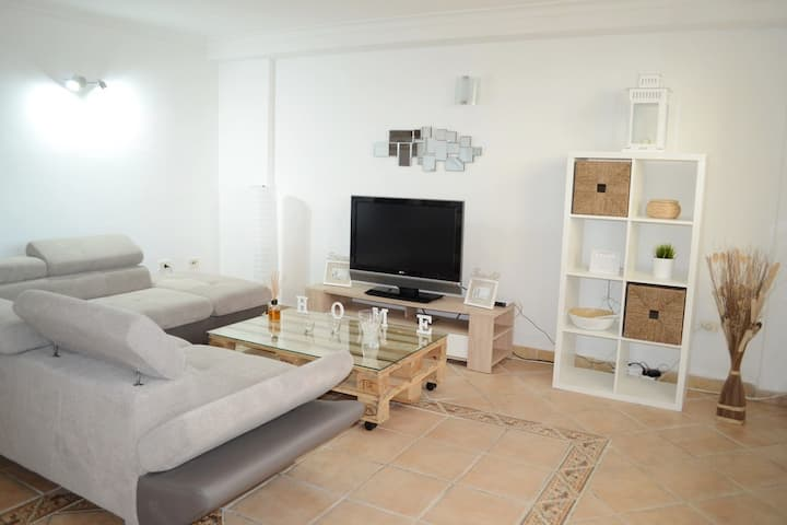 CHIC APARTAMENT IN  PLAYA PARAISO.  WIFI, NETFLIX