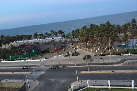 Apartamento no Beach Village na beira da praia