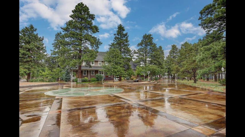 Ponderosa Pine's Retreat