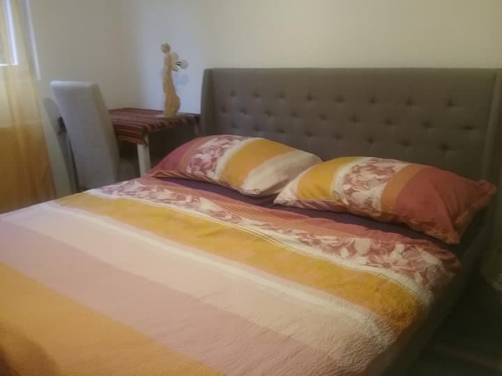 Maharaa  Unterkunft * Orange Zimmer*