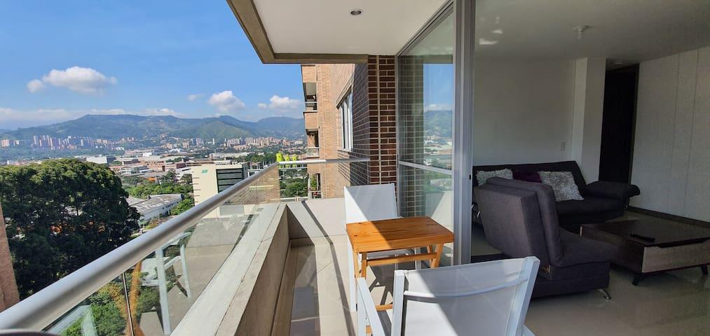 Room In Nice Apartment - Exclusivo Sector Poblado