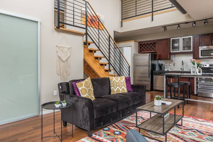 Stylish + Modern 2BR Apt in Downtown East