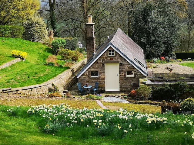 Luxury, romantic self catering accomodation.......