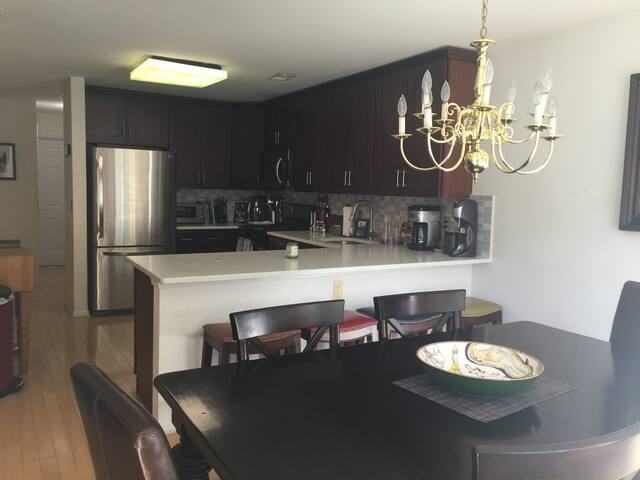 1 mile away from Baltusrol Golf Course, Summit - Millburn - Ev