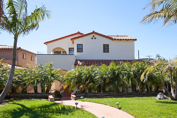 Bay-View 2BR w/ Private Patios – Mins to Beach