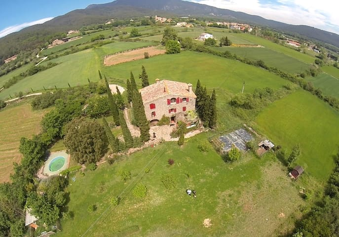 COUNTRY STONE HOUSE WITH SWIMMING POOL - Maià de Montcal - Huis